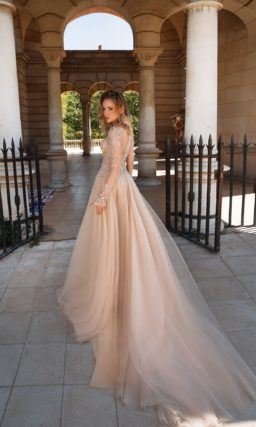 Выпускное платье с рукавами