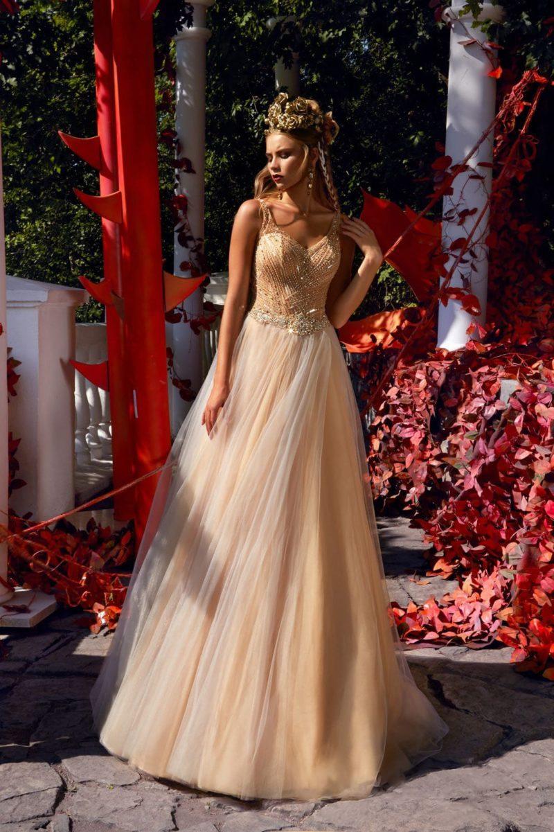 Платье с многослойной юбкой