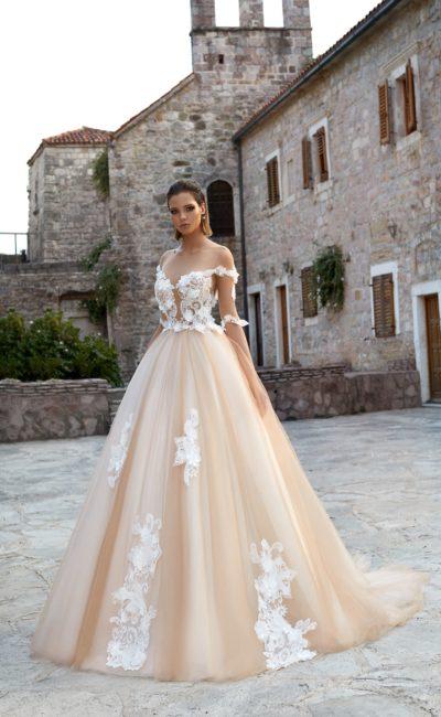 Платье свадебное кремового цвета