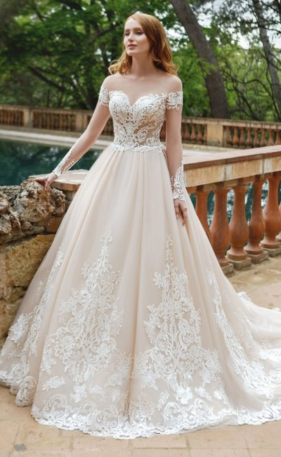 Платье с прозрачным рукавом