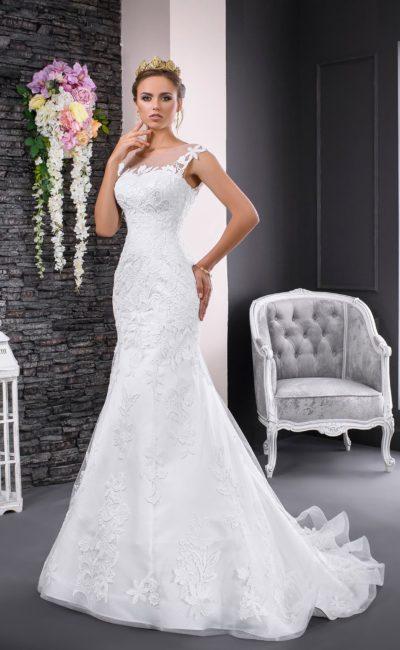 Фактурное свадебное платье кроя «русалка» с романтичным шлейфом  и элегантным лифом.