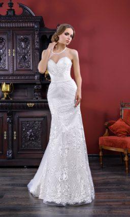 Утонченное свадебное платье «рыбка» с потрясающим кружевным декором и американской проймой.