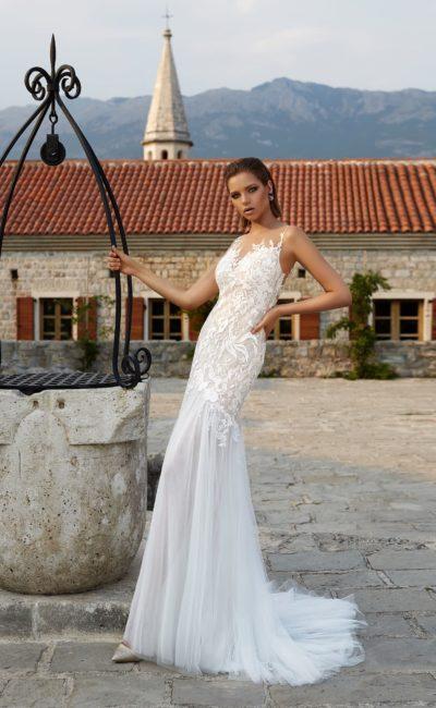 Свадебное платье облегающего кроя