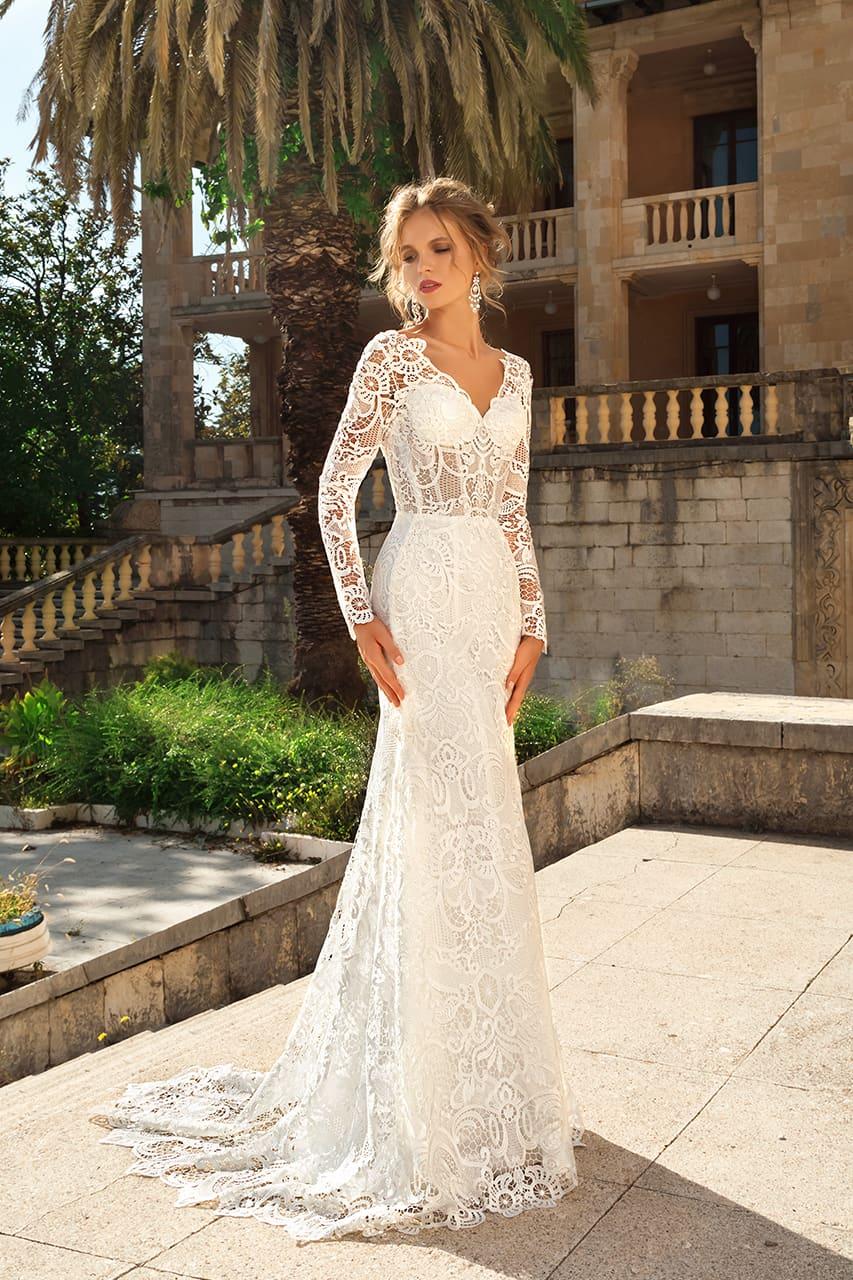 33211a20711 Кружевное свадебное платье «русалка» с длинным рукавом и V-образным вырезом  сзади.