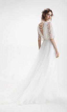Платье с интересным декором верха