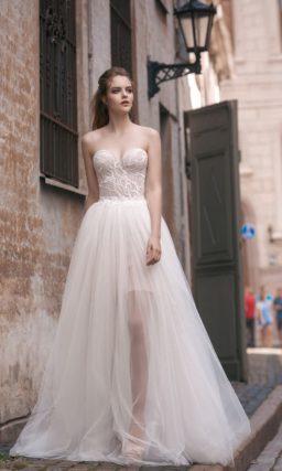 Свадебное платье-трансформер с кружевным боди и несколькими вариантами юбок.