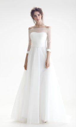 Свадебное платье с полупрозрачным декором верха и изящной юбкой «принцесса».