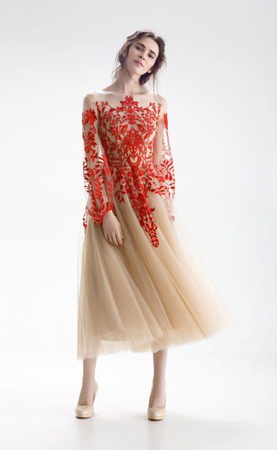 Свадебное платье красно-бежевого цвета