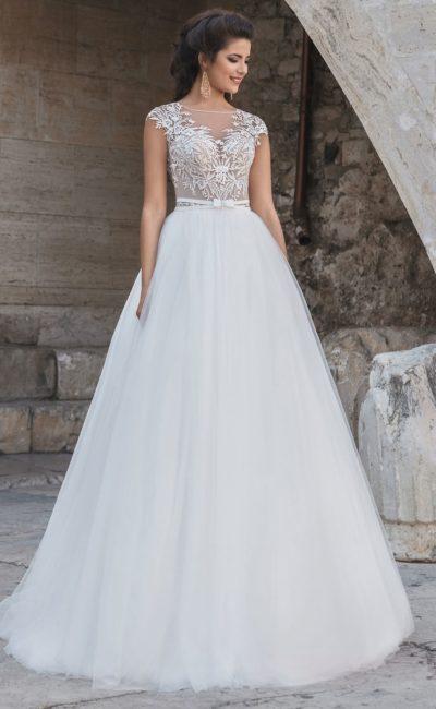 Свадебное платье с белой юбкой