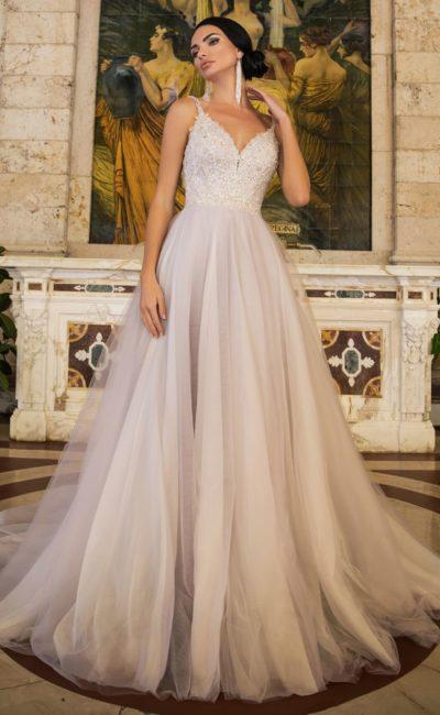 Свадебное платье в стразах