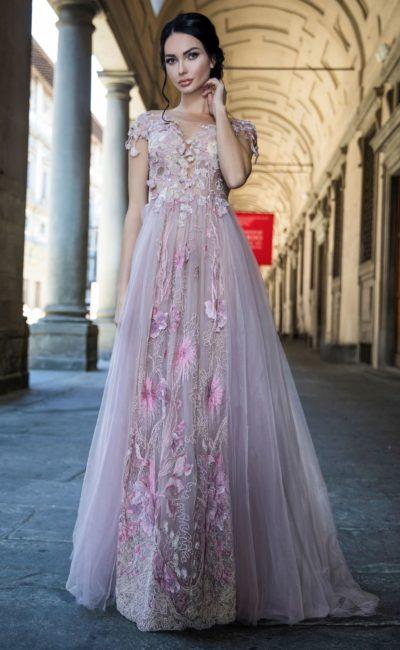 Свадебное платье сиреневых тонов