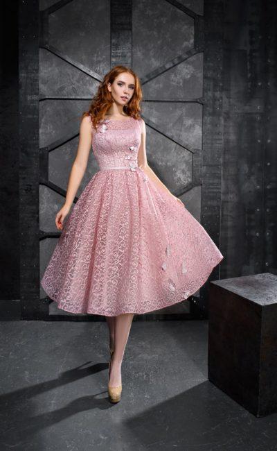 Розовое кружевное короткое платье