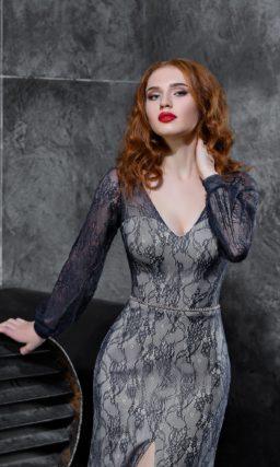 Серое вечернее платье «русалка» с длинным рукавом и открытой спинкой.