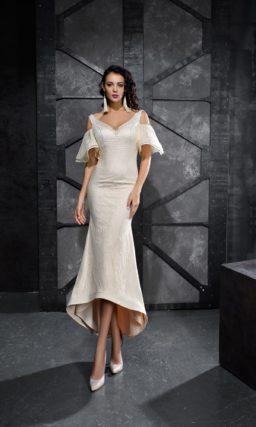 Вечернее платье с оригинальным верхом и юбкой «годе».