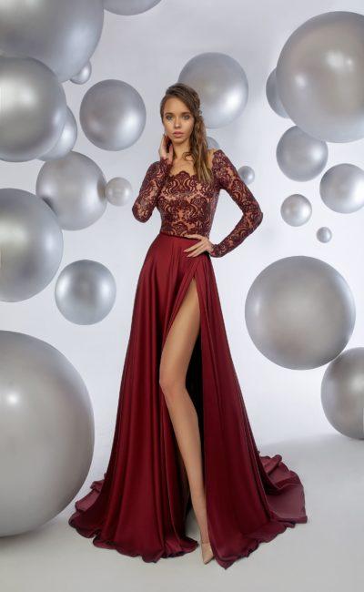 Бордовое платье с длинным рукавом
