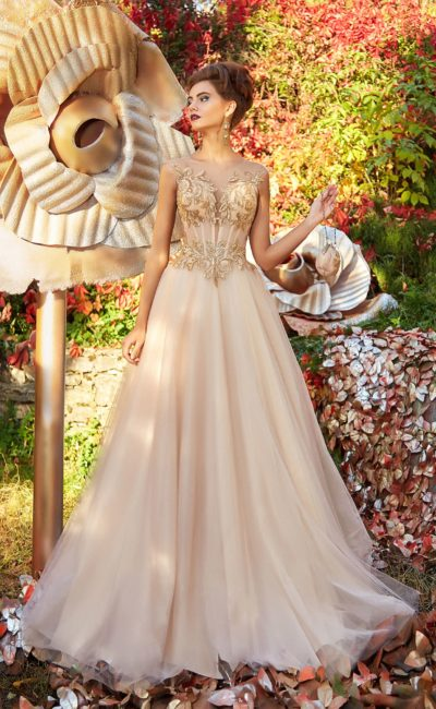 изысканное вечернее платье