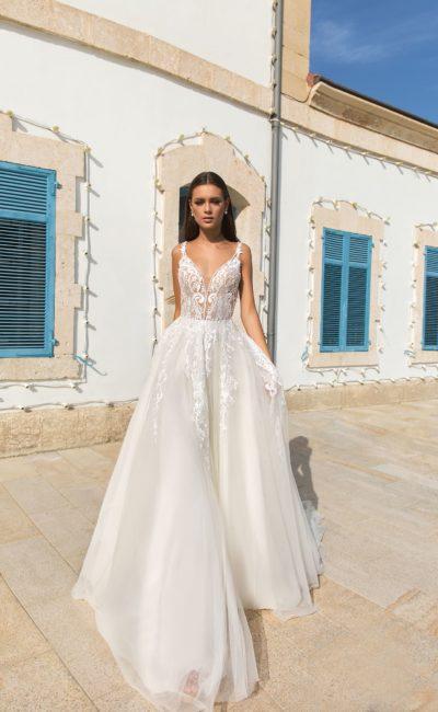 свадебное платье женственного силуэта