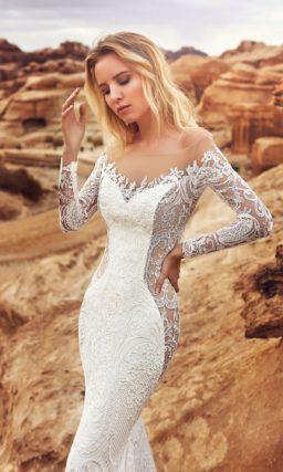 Свадебное платье-трансформер с двойной юбкой и портретным декольте.