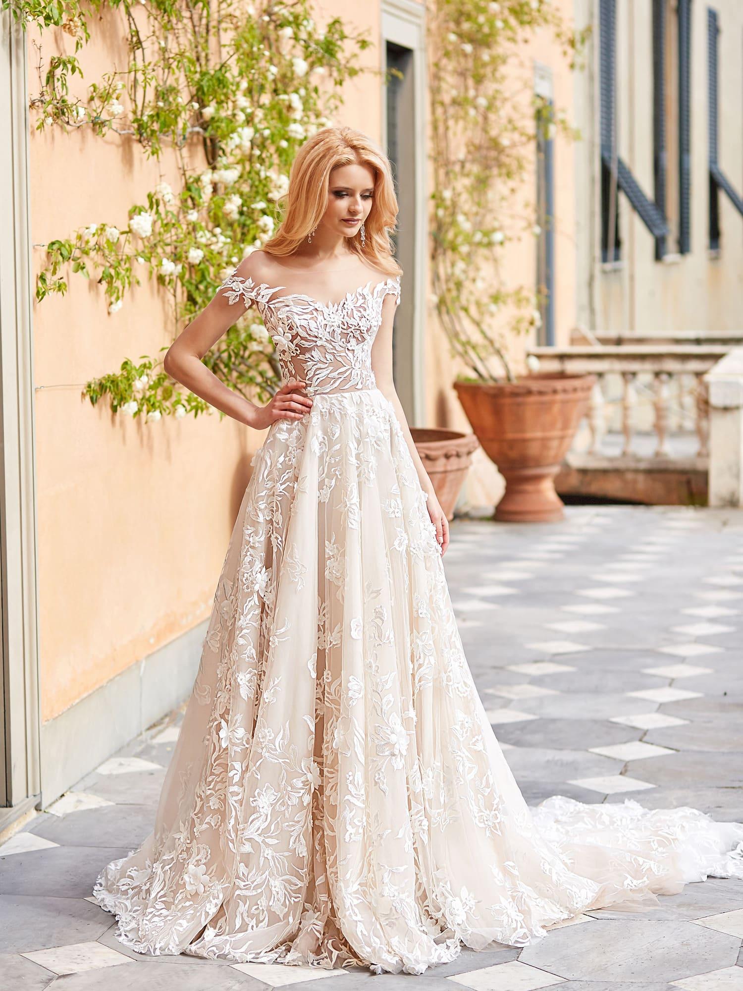 64cdc55c1df424 Свадебное платье Оксана Муха Barbora. Купить свадебное платье в ...