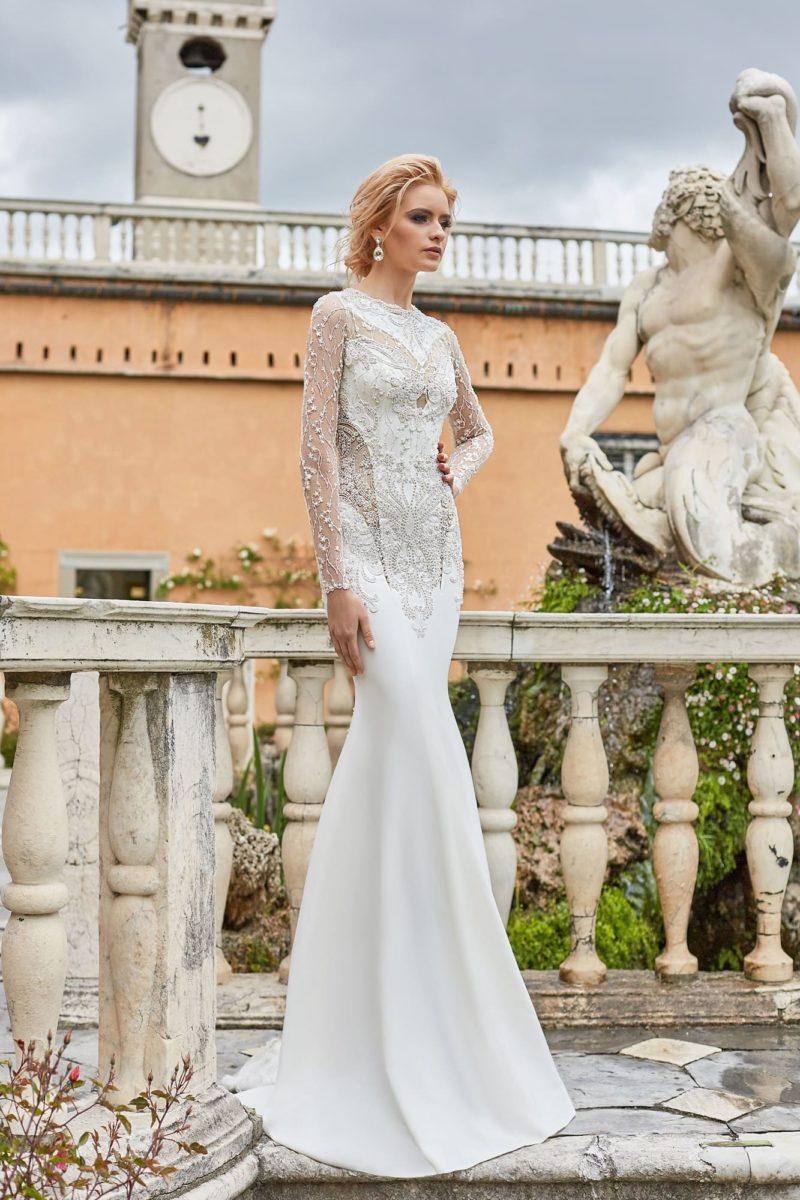 Свадебное платье-трансформер с закрытым верхом с вышивкой.