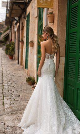 Свадебное платье «русалка», которое можно дополнить болеро.
