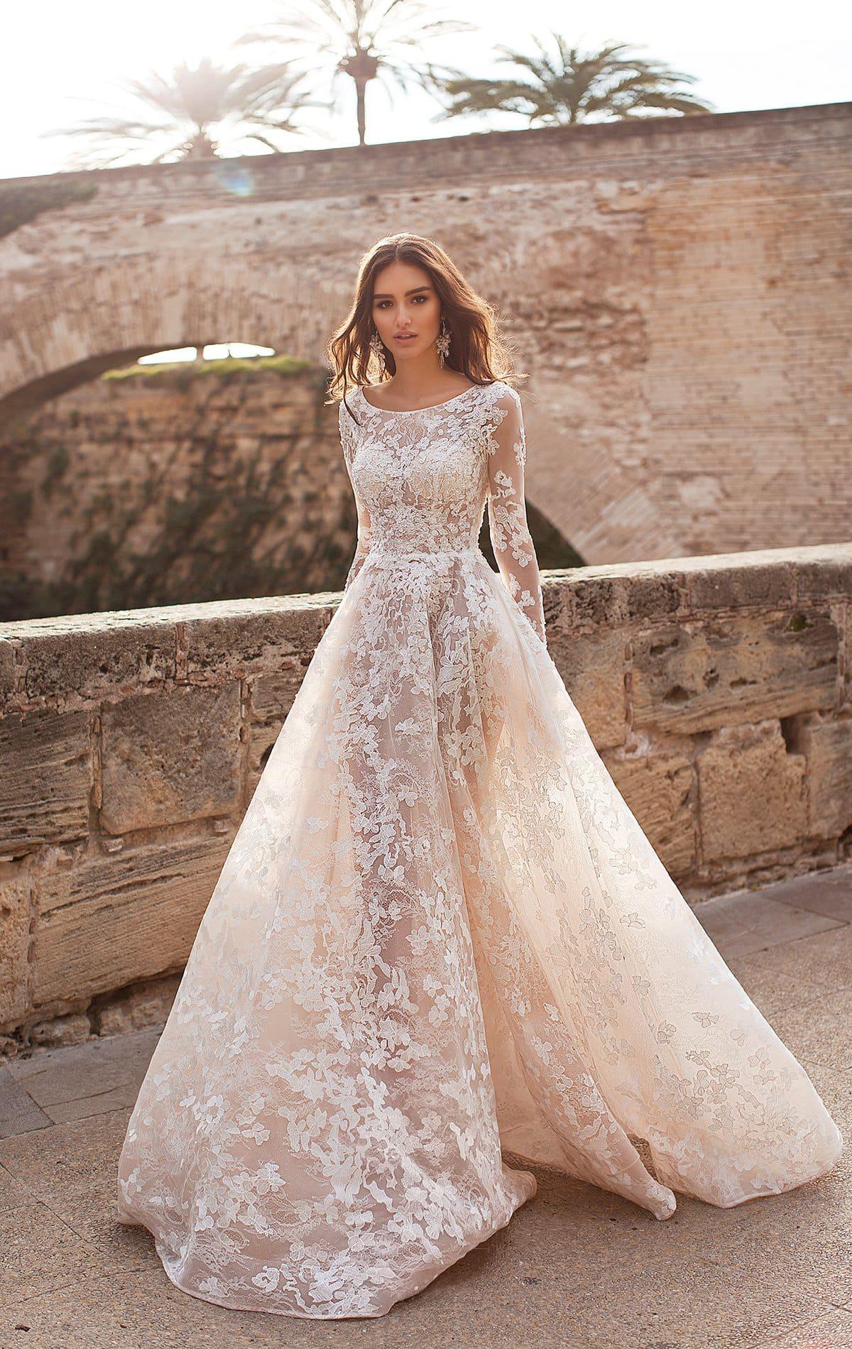 c49aa20aa6d Полностью кружевное свадебное платье Naviblue Bridal Julya. Купить ...