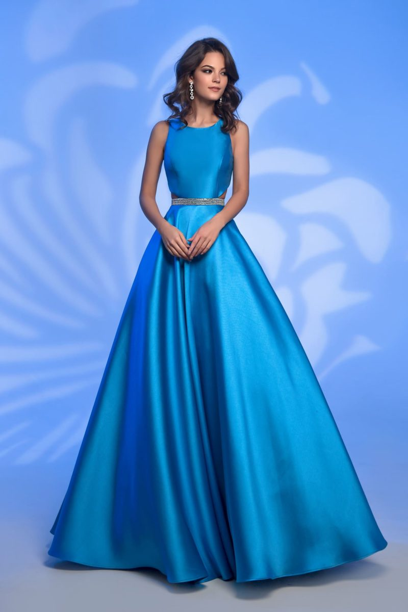 Выпускное платье голубого цвета