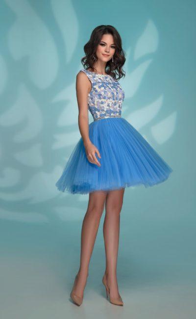Голубое короткое платье на выпускной