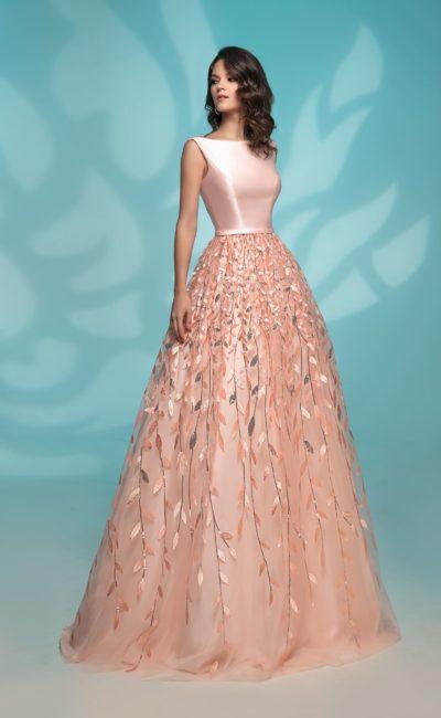 Персиковое платье к выпускному