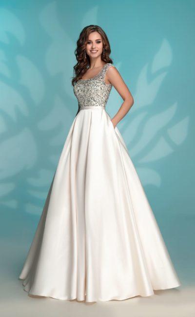 Платье вечернее цвета айвори