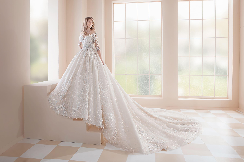 весь картинки свадебных платья со шлейфом стоят бокалы стаканы