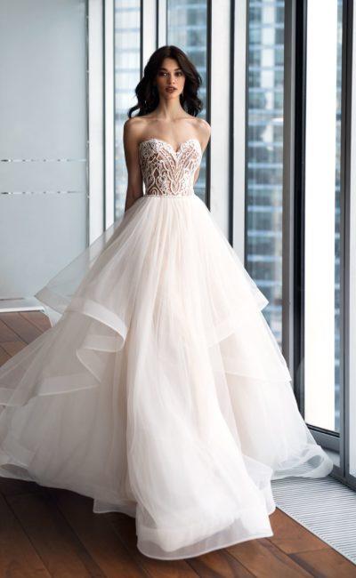 Платье с красивой юбкой