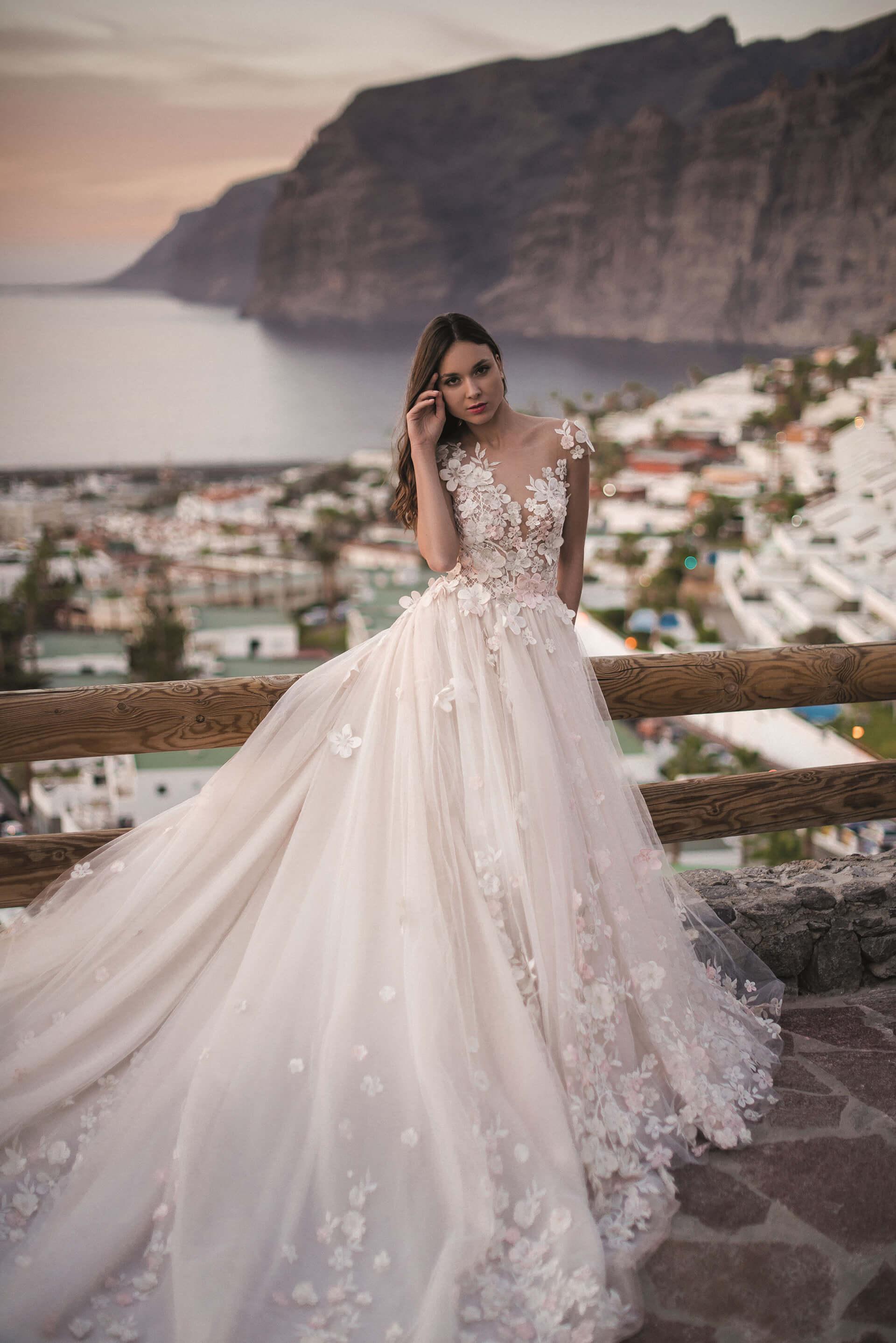 014cbd037585a4 Свадебное платье Оксана Муха Heiden. Купить свадебное платье в ...