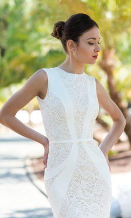 Кружевное свадебное платье с роскошным облегающим силуэтом.