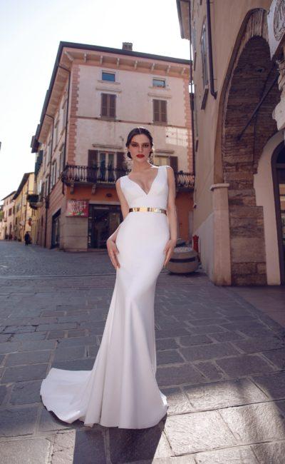 Свадебное платье «русалка» с золотым поясом