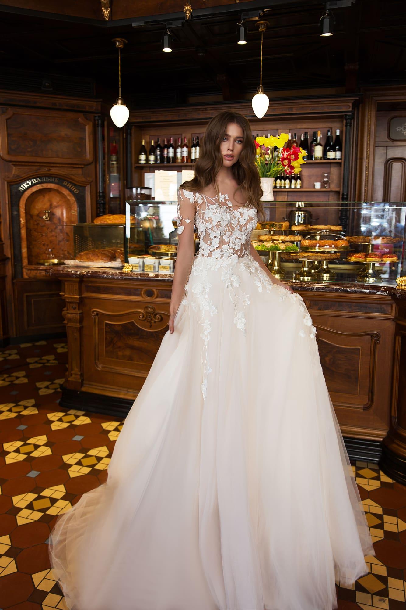 b3dd48e092b9652 Красивое свадебное платье Monreal Reichel. Купить свадебное платье в ...