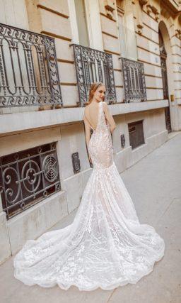 Платье «русалка» персикового цвета