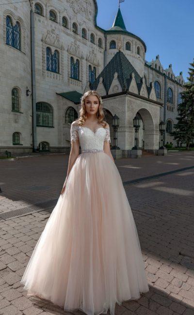 Свадебное платье с персиковой юбкой