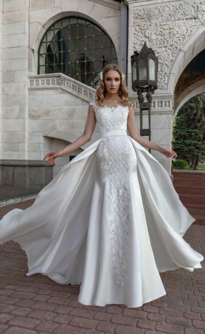 Платье «рыбка» с верхней юбкой