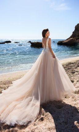 свадебное платье очаровательного бежевого оттенка