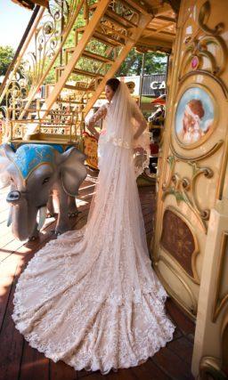 свадебное платье с заниженной талией модного пудрового оттенка