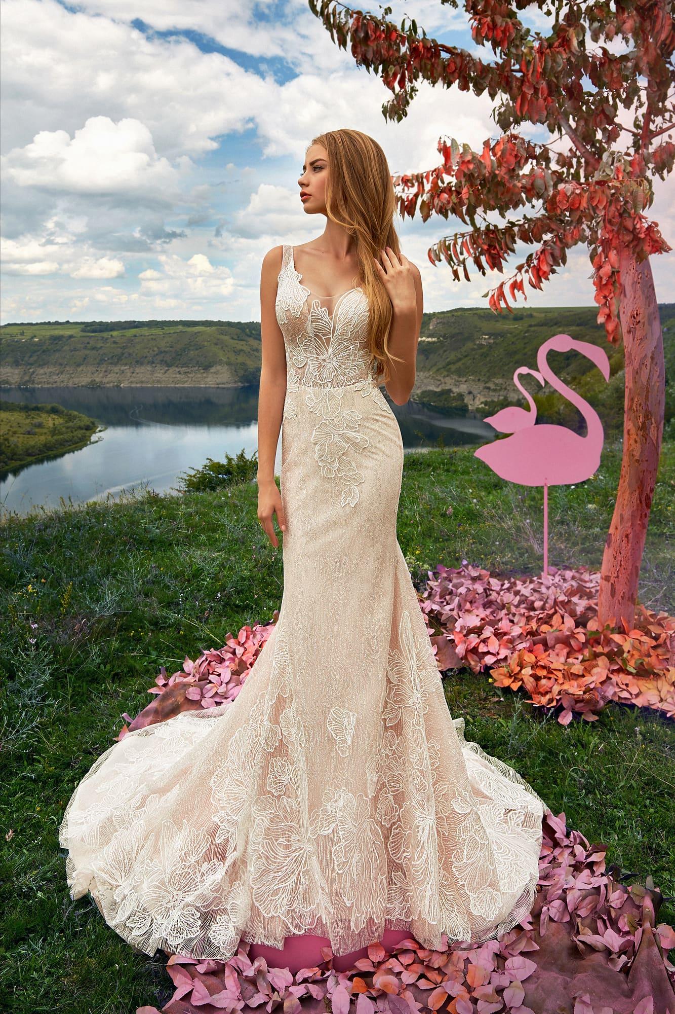 Двухцветное свадебное платье силуэта «рыбка»
