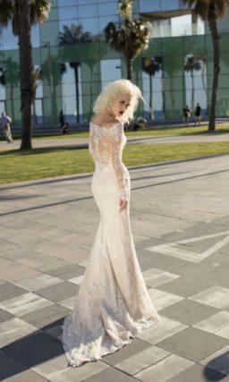 Платье с динным рукавом