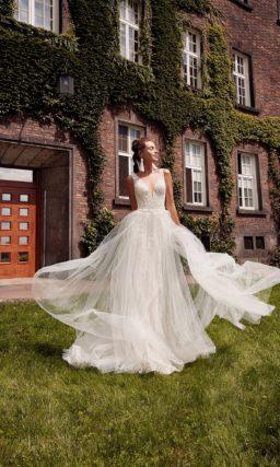 Облегающее свадебное платье силуэта «русалка» из кружева