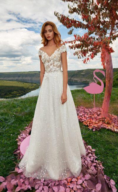 Нежно-молочное свадебное платье