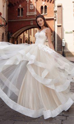 Стильное свадебное платье  с пышной юбкой пудрового цвета