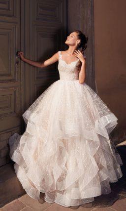 Очаровательное пышное свадебное платье пудрового оттенка