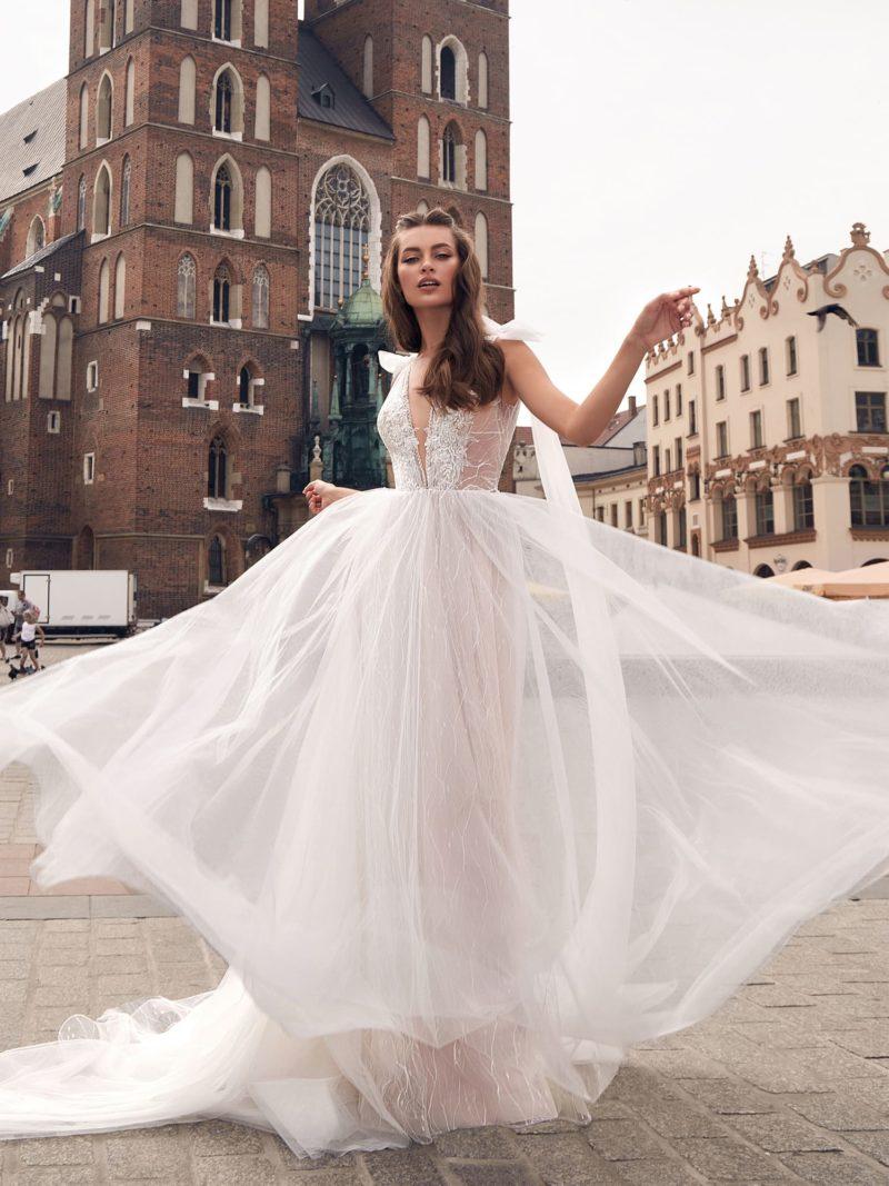 свадебное платье А-силуэта цвета розовой пудры