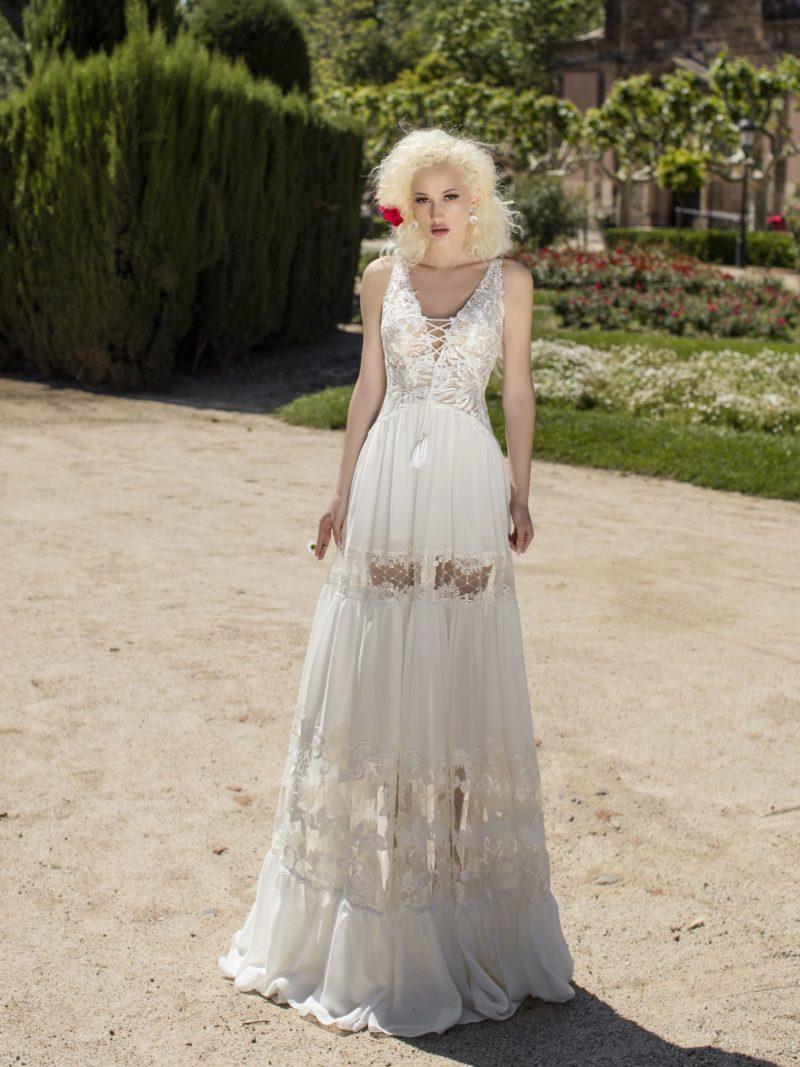 Свадебное платье прямого кроя в бохо-стиле