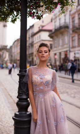 воздушное вечернее платье нежного лилового оттенка